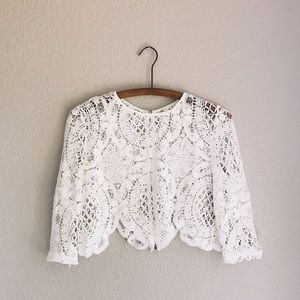 3/4 Sleeve Cropped Lace Layering Top